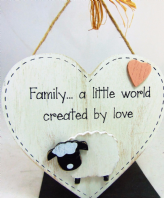 FARM FRIENDS (SHEEP) FAMILY A LITTLE WORD ....HEART SHAPE WOODEN HANGING SIGN